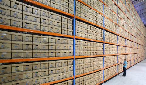 Хранение документов в архивах